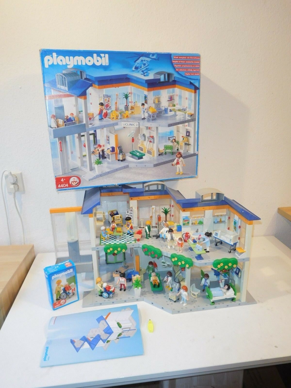 PLAYMOBIL 4404 Hospital + EXTRA Set OVP