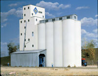 3022 Walthers Cornerstone Adm Concrete Grain Elevator Ho Scale