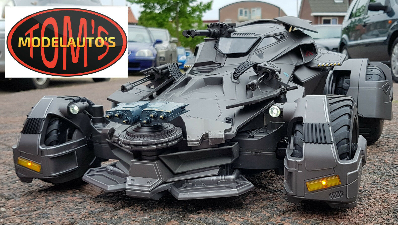 1:10 RC Batman Justice league Ultimate Batmobile mattel