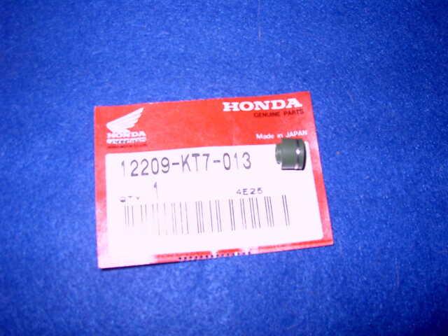 HONDA CBR1000 CBR600 CB600 GENUINE NOS VALVE STEM SEAL 12209-KT7-013