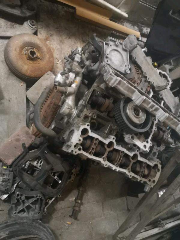 Peugeot/Citroën 3.0 v6 engine