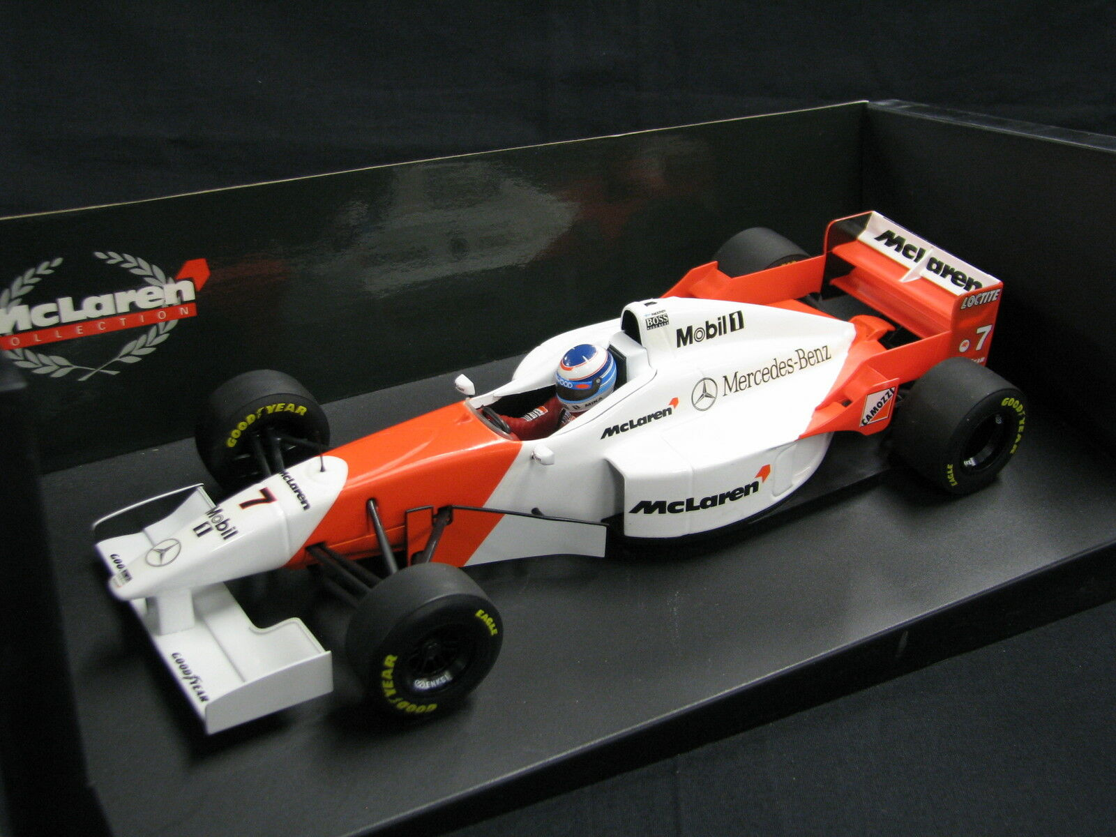 Minichamps McLaren Mercedes MP4 11 1996 1 18  7 Mika Hakkinen (FIN) (JS)
