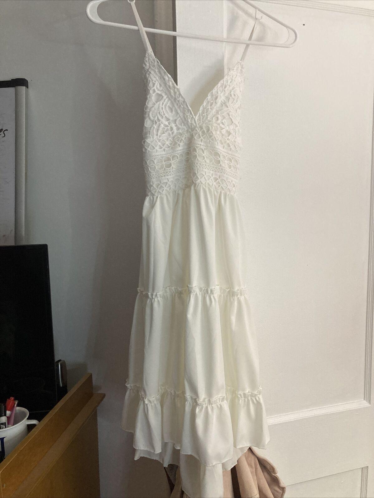 Bridal Formal gowns Medium