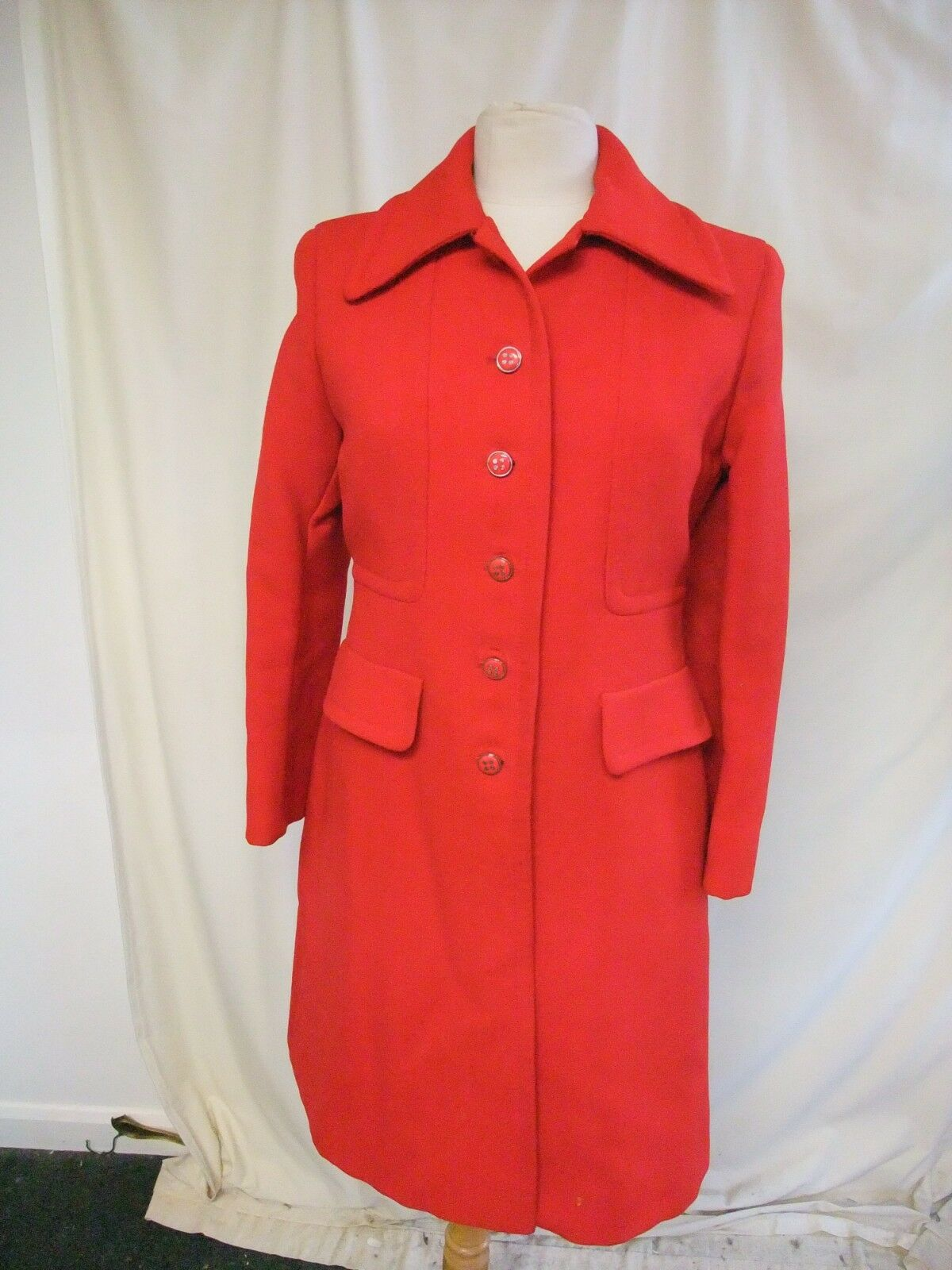 Ladies Coat Vintage Jaeger bright red red red pure wool, fitted, 1960s-70s 2394 917993