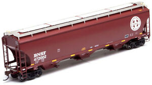 Athearn HO Scale Trinity 3-Bay Covered Hopper Car BNSF (Circle-Cross) #472002