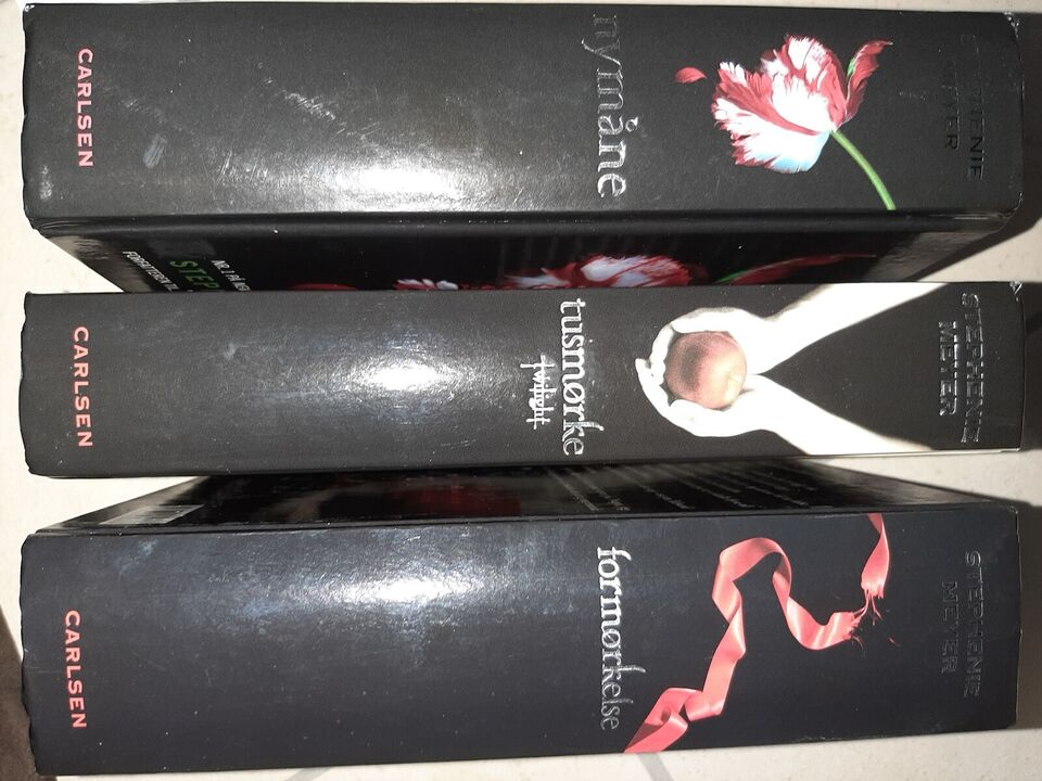 TUSMØRKE, NYMÅNE + FORMØRKELSE, Stephenie Meyer