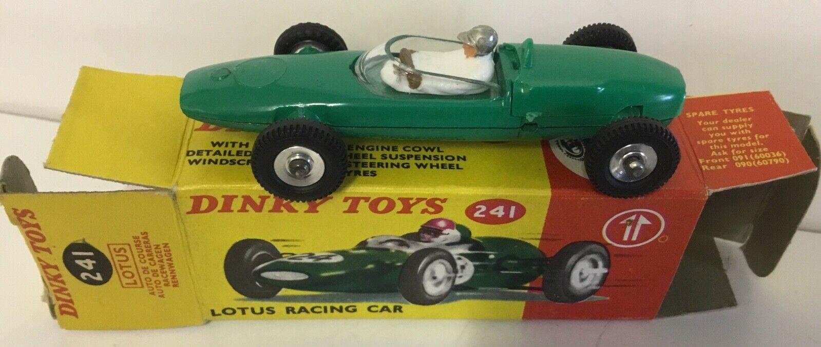 DINKY SpielzeugS 241 MasseUS RACING  CAR; NEAR MINT IN VERY GOOD BOX. RARE Silber HELMET