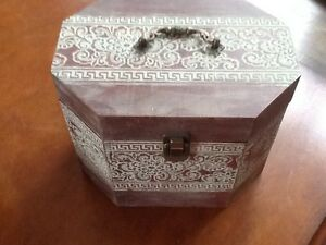 Wood Wooden Box Felt Lined Decorative Chest Trunk Storage Box Vintage