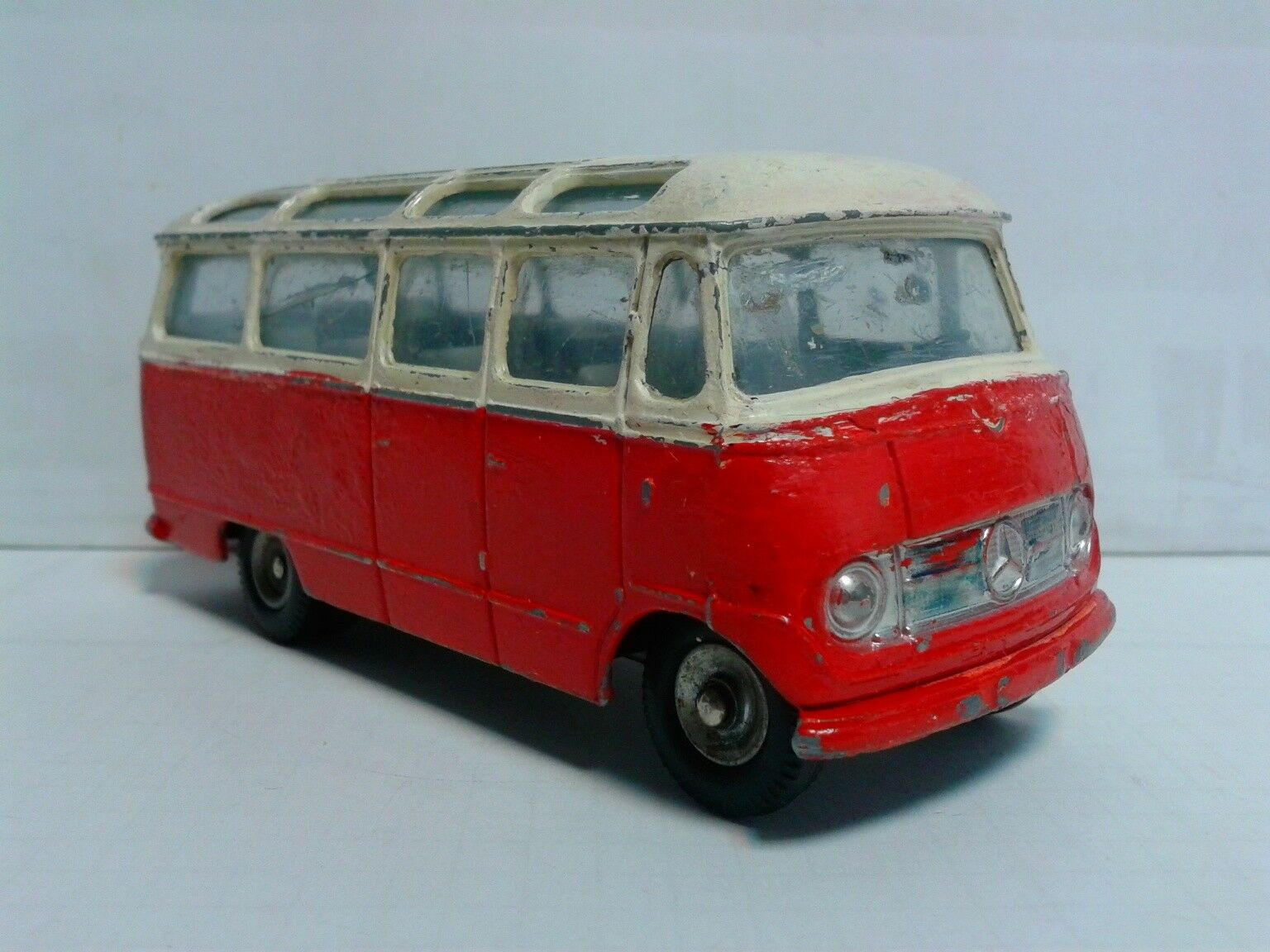 Dinky France 541 Mercedes o319 Bus 1 43 Bicolor repainted 1963-71