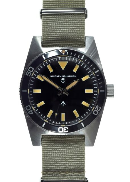 Military Industries 1970s Pattern Automatic 24 Jewel S/Steel Retro Divers Watch