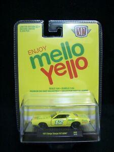 M2 Machines Mello Yello 1971 GMC Dodge Charger R//T HEMI 1:64