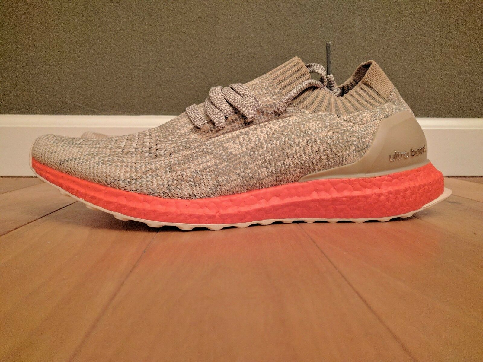 Adidas UltraBOOST Uncaged 10.5 - Trace Cargo Khaki-Orange