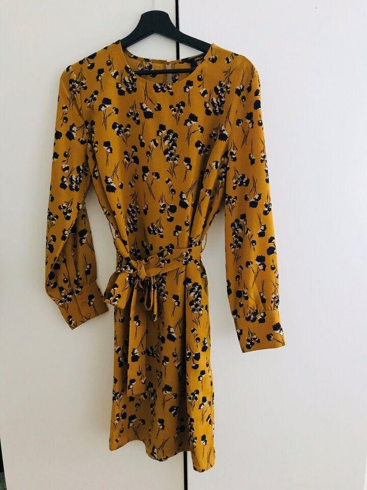 Anden kjole, Only, str. L
