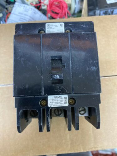 Eaton Cutler Hammer GHB3025 25 Amp 3 Pole 480 VAC Circuit Breaker GHB