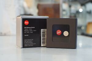 Leica-Soft-Release-12mm-Button-Lapel-Badge-Boxed-14010