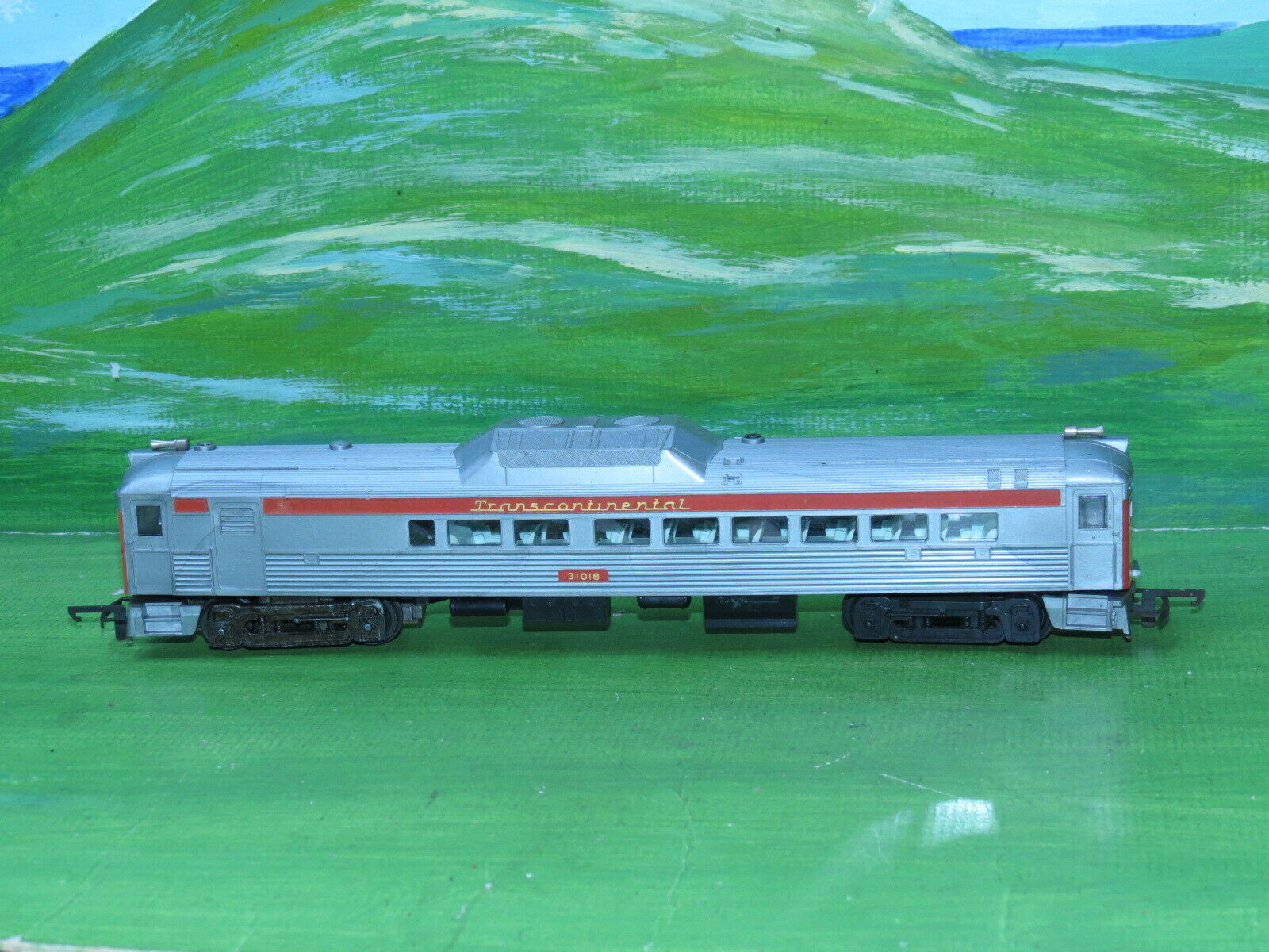 Rare Triang Budd R352 Transcontinental Diesel Railauto 31018 with motor