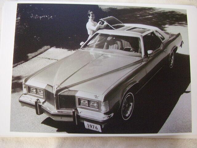 Image 1 - 1976 PONTIAC  GRAND PRIX TEE TOPS 11 X 17  PHOTO  PICTURE