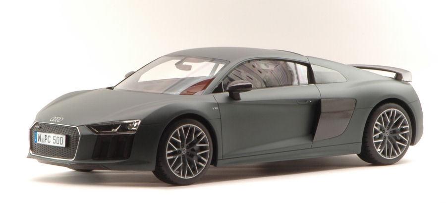 Audi R8 Coupe' 2015 Matt Olive verde 1:12 Model PREMIUM CLASSIXXS