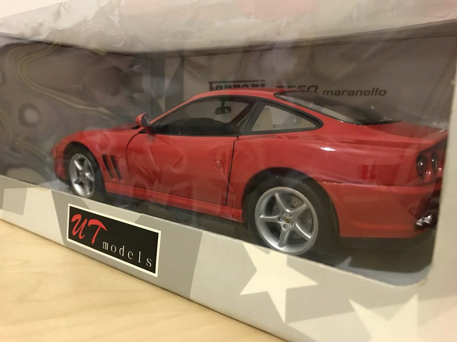 Ut modelle 1   18 skala ferrari 550 maranello 1996 rot rot - erstbezug umzingelt