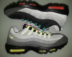 NIKE AIR MAX 95 OG QS GREEDY 2015 IN BLACK VOLT SAFETY ORANGE SIZE ... b2fd348a8