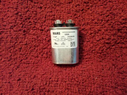 Mars Motor Run Capacitor 5 MFD Oval 440//370 VAC Dual V P//N 12029
