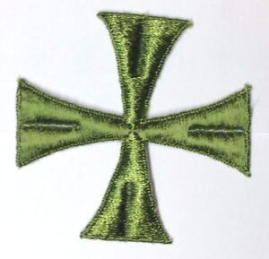 Vintage-Cruz-3-034-Bordado-para-Coser-Verde-Diametro-Maltes-Emblema-Parche-2PC