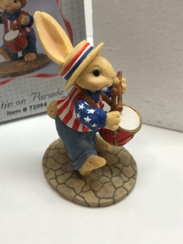 Bunny Toes Justin On Parade 1997 Limited Pacific Rim 72094 Figurine Flag Drum