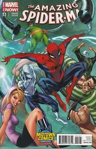 The-Amazing-Spider-Man-1-1-Midtown-Comics-NYC-J-Scott-Campbell-Exclusive