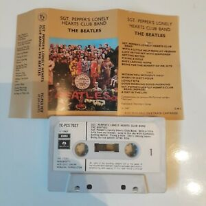 THE-BEATLES-SGT-PEPPERS-LONELY-HEARTS-CLUB-BAND-CASSETTE-TAPE-1967-PAPER-LABEL