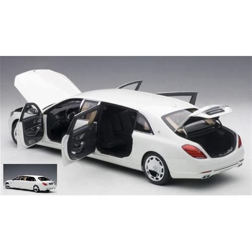 MERCEDES MAYBACH S 600 PULLuomo 2016 biancaDARK grigio 1 18 AutoArt Auto Stradali