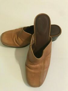 Clarks-tan-mules-leather-uppers-size-9M