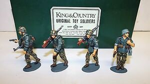 King & Country Wss08 Officier Avec Panzer Grenadiers En Progression (bs571)