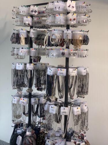 100x Modeschmuck Mix Ketten Fingerringe Ohrringe Ohrstecker Armbänder UVP 650,00