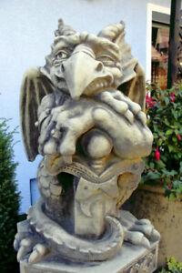 Torwaechter-Gargoyle-Steinguss-Vidroflor-Tuerwaechter-Gartenfigur-Skulptur-Vogel
