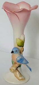 Vintage-Pink-Tulip-Porcelain-Bud-Vase-With-A-Blue-Bird-6-034-Flower-Bird-Figurine