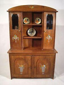 ancien jouet meuble buffet vaisselier poupee motifs art