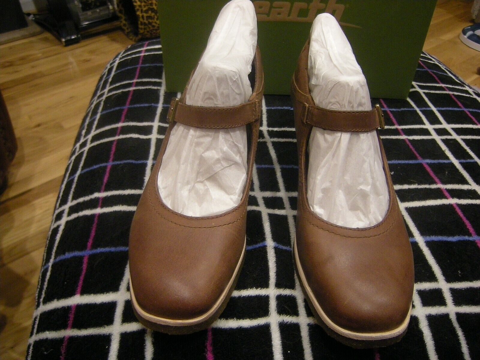 Brand New Womens Womens Womens Almond Burnishable Nubuck Earth Boden shoes, Size 6.5 M 50fee0