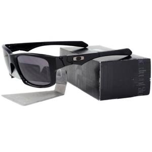 51c2119ca9 Oakley OO 9135-01 JUPITER SQUARED Polished Black Warm Grey Mens ...