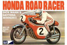MPC 1960s Dick Mann Honda 750 Road Racer Daytona Winner Motorcycle model kit 1/8