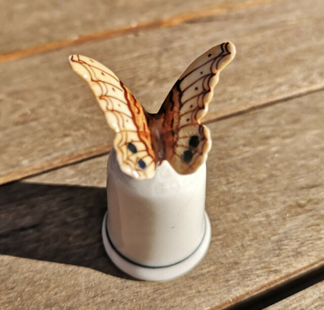 Ara Porzellan Papagei Figur Fingerhut Parot Handbemalt Sammeln Klima Sammlung