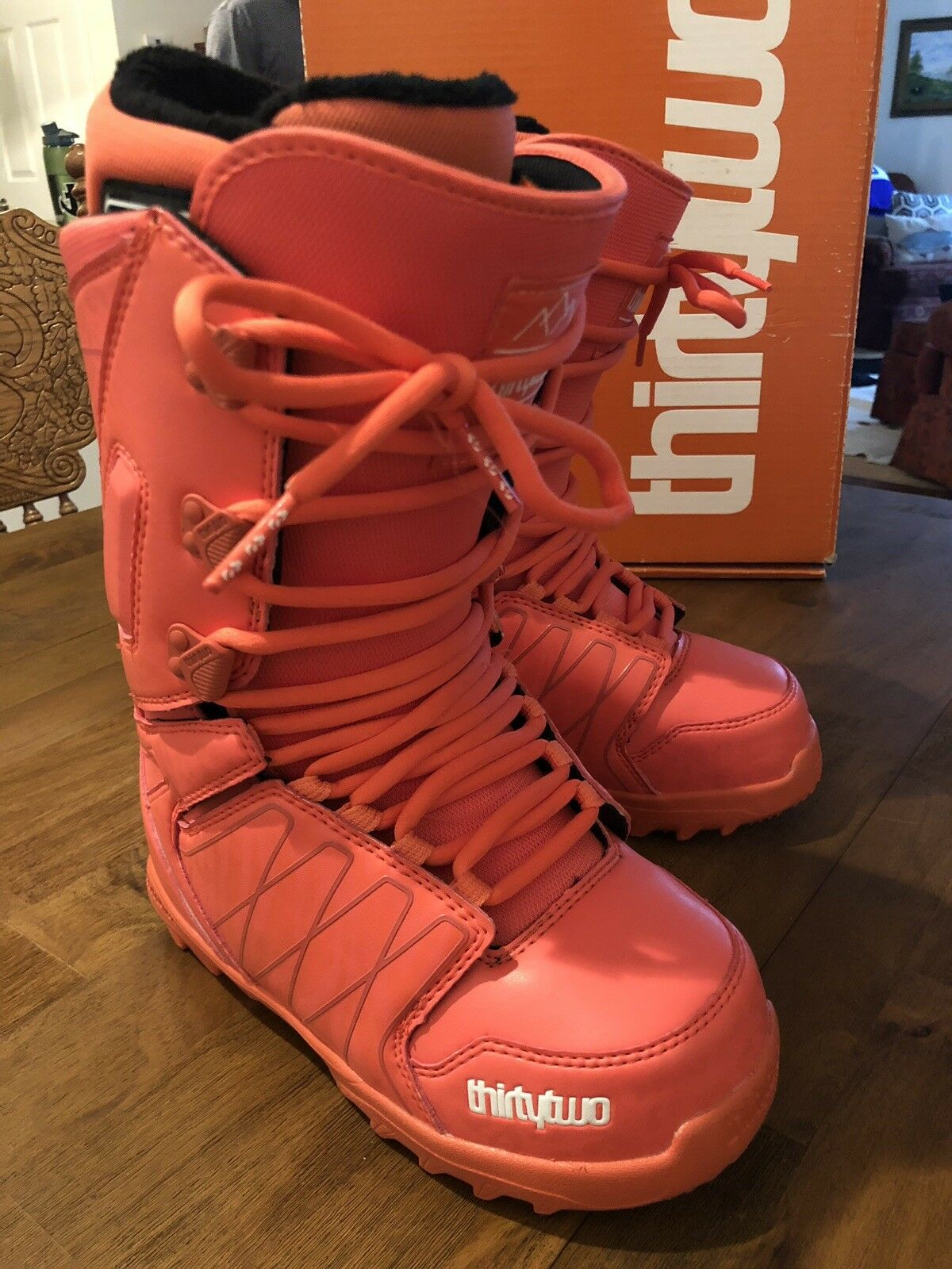 Thirtytwo  Womens Lashed Snowboard Boot Coral Size 6.5  sale online