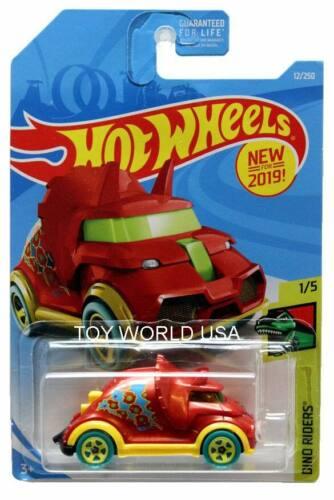 2019 Hot Wheels #12 Dino Riders Tricera-Truck red