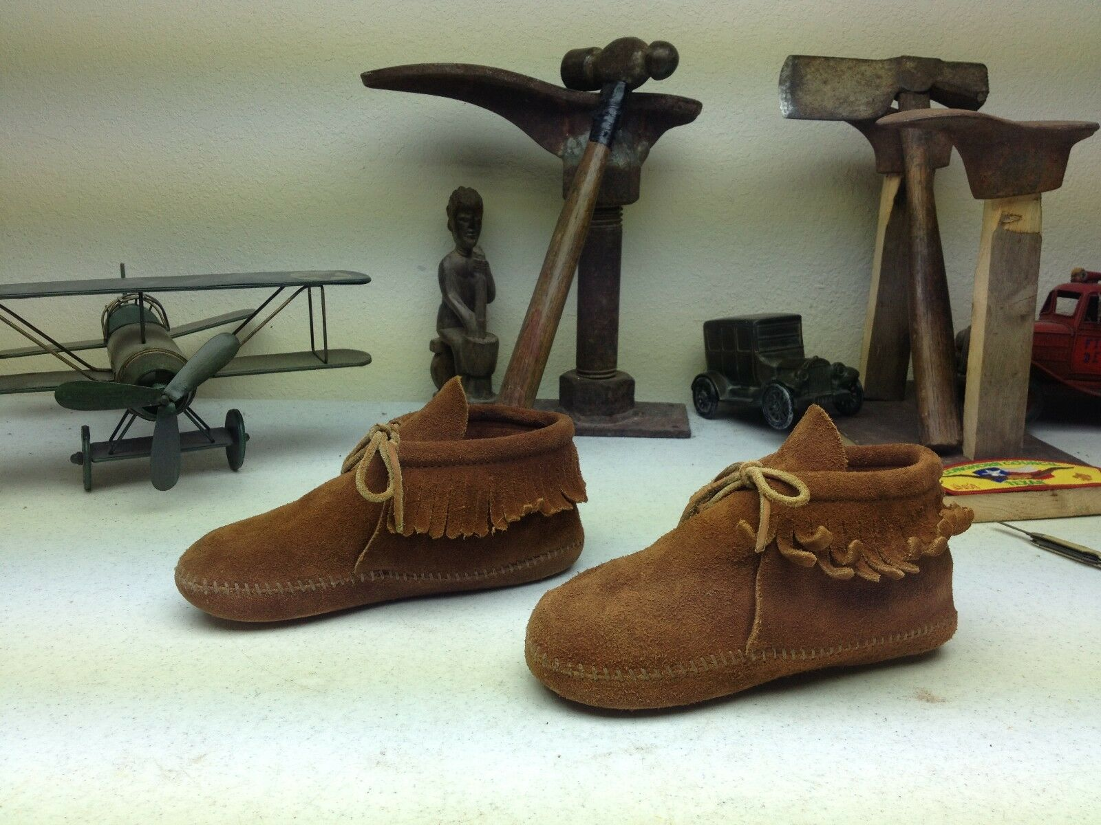 MINNETONKA BROWN DISTRESSED LEATHER MADE IN USA MOCCASIN BOOTS SIZE 4- 5