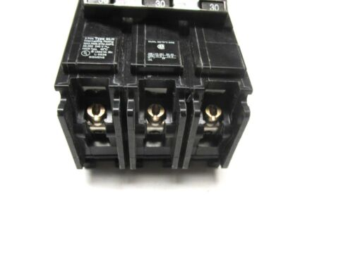 YI-1001 Siemens ITE 30A 3P Circuit Breaker type BLH Cat# B330H..