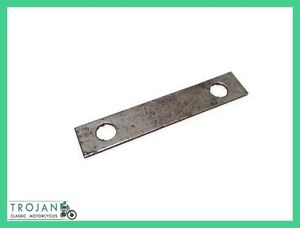 GEARBOX-INNER-COVER-AND-CASE-LOCK-STRIP-BSA-B-M-SERIES-GENUINE-NOS-15-4246