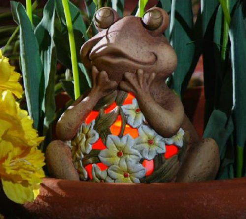 QVC Home and Garden Decor Indoor Outdoor Flameless Candle Frog Luminary w/ Timer