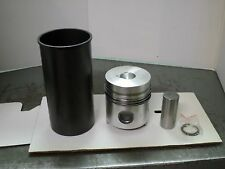 White Farm Tractor Sleeve Assemblies With High Compresssion Piston