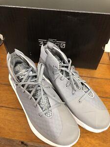 6f1f1add2b9 Under Armour Men s UA SC 3Zero Gray Basketball Sneakers Size 12