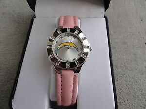 New-San-Diego-Chargers-Ladies-Quartz-Watch-with-a-Pink-Band