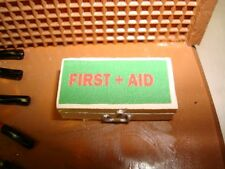 First Aid Kit  1/18 Diorama & Accessories